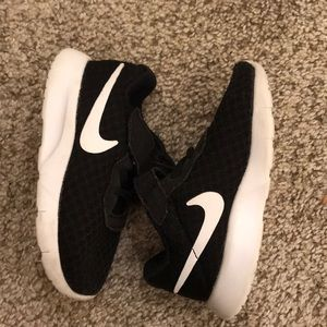 Toddler Nike black and white sneakers size 6C